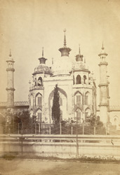The stone building to the principal building of the Hosenabad Imambara [Lucknow].